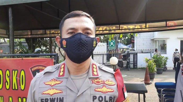 Kapolrestro Jakarta Timur, Kombes Pol Erwin Kurniawan saat diwawancarai terkait perampokan di Jatinegara, Rabu (21/4/2021)