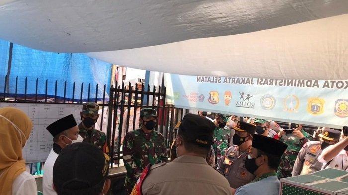 Satu RT di Cilandak Lockdown, Kapolri, Panglima TNI hingga Menkes Langsung Cek TKP