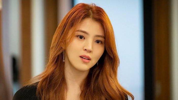 Karakter Yeo Da Kyung diperankan Han Seo Hee di Drama Korea The World of The Married