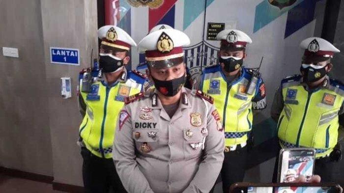 Pemilik Sedan yang Viral Halangi Ambulans Terlacak, Polisi Beri Tenggat 3 Kali Panggilan Klarifikasi