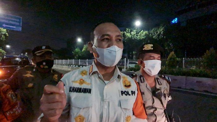 Kasatpol PP Jakarta Selatan, Ujang Harmawan saat ditemui TribunJakarta.com usai melakukan sidak di sejumlah tempat usaha di Kemang pada Minggu (13/6/2021) malam.