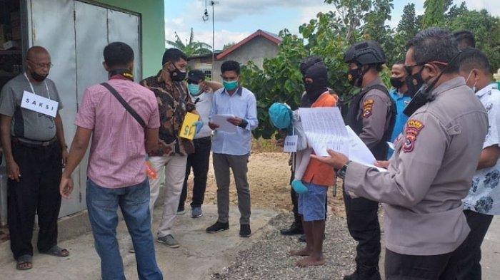 REKONSTRUKSI - Polsek Kupang Tengah Polres Kupang menggelar rekonstruksi kasus pencabulan balita dengan tersangka NDM alias Niel (18), Jumat 11 Juni 2021.