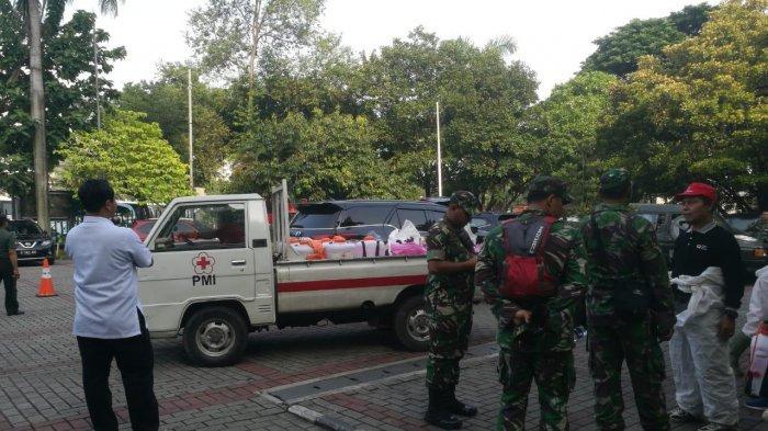 Cegah Penyebaran Virus Corona, Gereja Katedral Jakarta Disemprot Disinfektan