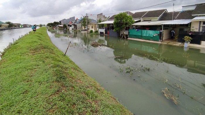 Sejak Kemarin Banjir Menggenangi 3 RW Kecamatan Periuk Tangerang