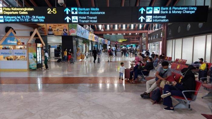H-1 Larangan Mudik Penumpang di Bandara Soekarno-Hatta Membludak, Terminal 2F Dibuka Berkala