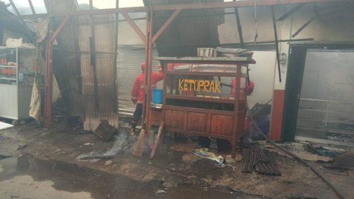 Diduga Akibat Kompor Gas Bocor, Lima Warung di Bintara Bekasi Ludes Dilahap Si Jago Merah