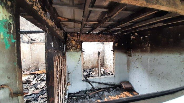 Kebakaran di Jalan Melati Ujung, RT 18 RW 11 Blok J, Kelurahan Jatimulya, Kecamatan Tambun Selatan, Kabupaten Bekasi, Senin (17/5/2021).