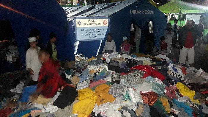 Dapat Sumbangan Baju dan Celana, Korban Kebakaran Manggarai Berharap Pakaian Dalam