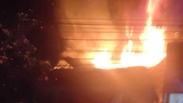 Diduga Karena Kompor Gas Meledak, Satu Rumah di Panongan Ludes Terbakar Sampai Merugi Rp 400 Juta