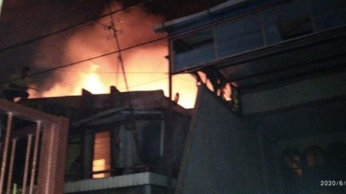 Duka Korban Kebakaran Tanjung Priok: Tubuh Satu Keluarga Melepuh Hingga ART Positif Covid-19