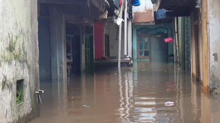 Waspada, 13 Wilayah di DKI Jakarta Siang Ini Dikepung Banjir