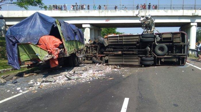 Kecelakaan Beruntun 3 Kendaraan di Tol Cipali, Bus Terguling 4 Orang Tewas, Begini Kesaksian Korban