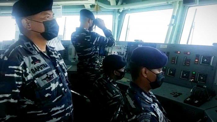 TNI AL mengerahkan KRI Usman Harun-359 dan KRI Kerambit-627 dalam misi pencarian dan penyelamatan anak buah kapal dalam kecelakaan kapal nelayan di perairan Kalbar pada Jumat (16/7/2021).