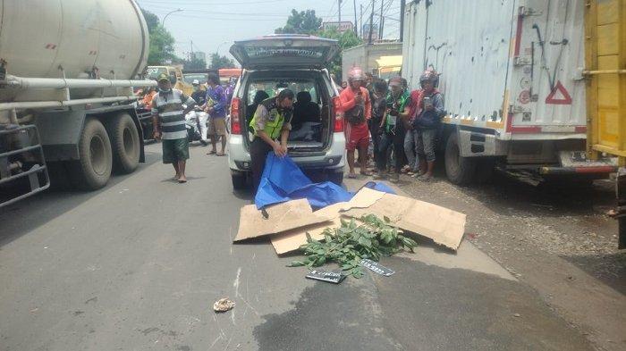 Pengendara Motor Tewas Terlindas Truk Sampah di Bantargebang