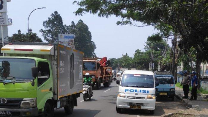 Terulang Lagi, Diduga Gagal Menyalip Seorang Pemotor Tewas Tergilas Truk di Tangerang