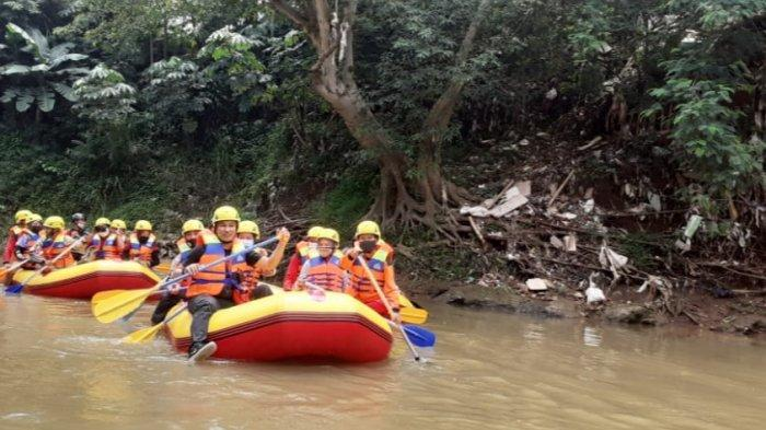 Antisipasi Bencana Saat Musim Hujan, Damkar Depok Temukan 3 Titik Rawan Longsor di Sungai Ciliwung