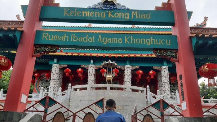 Mengintip Persiapan Imlek di Kelenteng Konghucu Kong Miao di TMII, Unik dan  Indonesia Banget - Tribun Jakarta