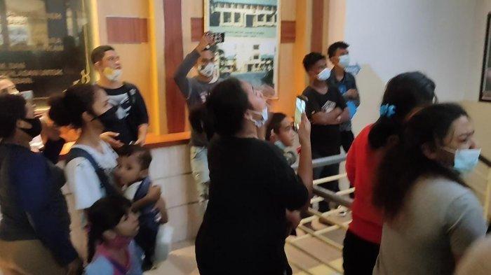 Keluarga Histeris Lihat 11 Debt Collector Pengepung TNI Digiring ke Tahanan: Ini Bukan Pembunuhan