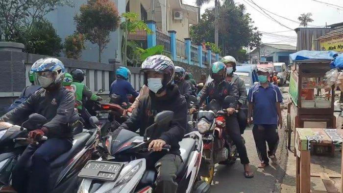 Jalan Permukiman jadi Jalur Tikus Pekerja, Warga Pekayon Jaktim Cemas Penularan Covid-19 Meluas