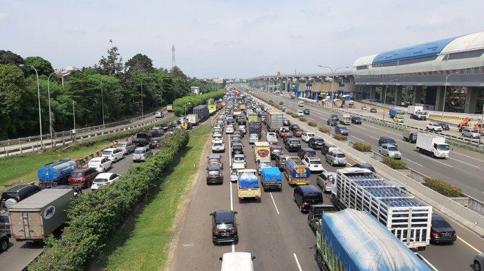 Volume Kendaraan Tinggalkan Jakarta Naik 40 %, Jasa Marga Imbau Pengguna Jalan Pulang Lebih Awal