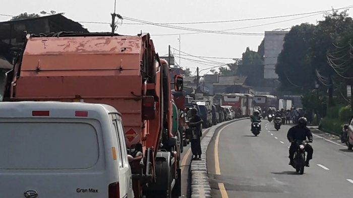 Lapor Pak Luhut! PPKM Darurat Hari Ini: Jalanan Jakarta Masih Macet hingga WNA Mabuk-mabukan di Kafe