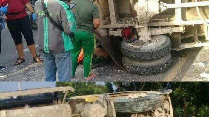 Kendaraan Truk Light bermuatan batu F-8035-HG terguling di Jalan Sultan Hasanudin, Kecamatan Tambun Selatan, Kabupaten Bekasi, Minggu (20/12/2020).