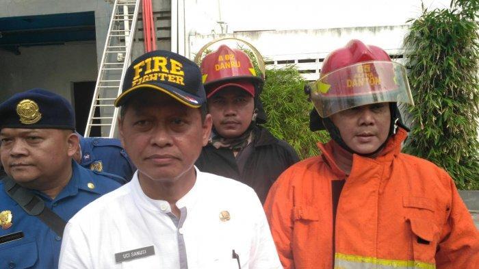 Kepala Dinas Pemadam Kebakaran Tangsel Beri Petunjuk Penggunaan Lilin Saat Mati Listrik