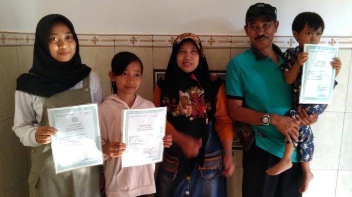 Saking Ingin Punya Mobil, Kepala Dusun Namai 3 Anaknya Merek Mobil Terkenal, Apa Saja Itu?