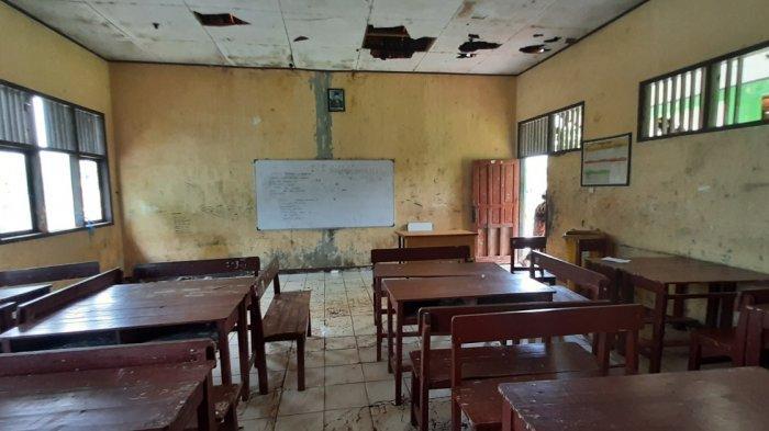 Bangunan SDN Samudrajaya 04 Bekasi Tak Layak, Warga Sebut 7 Unit Komputer Pernah Hilang