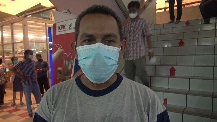 Kasus Covid DKI Meningkat, Persediaan Vitamin dan Tabung Oksigen di Pasar Pramuka Masih Aman