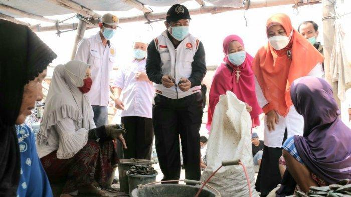 Peringati Hari Nelayan Nasional, Fraksi PKS DKI Jakarta Gerebek Kamal Muara