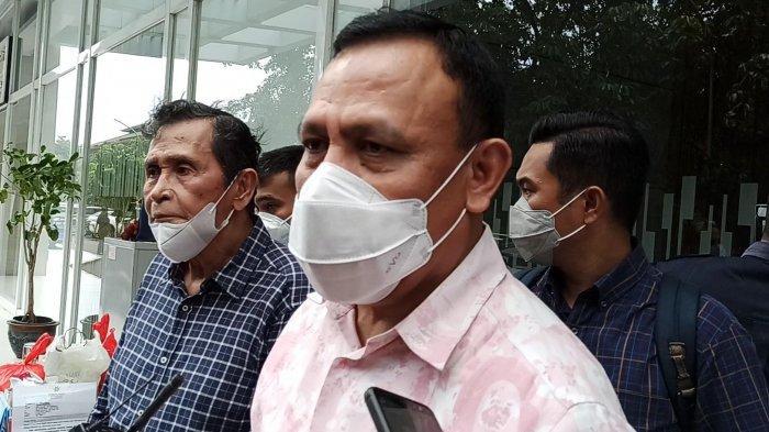 Kunjungi Apartemen Kediaman Artidjo Alkostar, Ketua KPK Firli Bahuri Sampaikan Belasungkawa