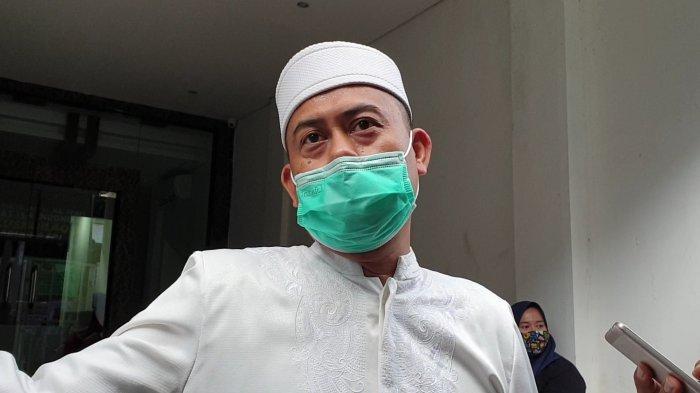 Ketua PA 212: Rizieq Shihab Sempat Kelelahan Saat Disambut, Dipeluk dan Dicium Ribuan Umat