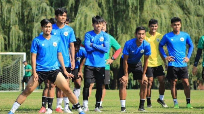 Khairul Imam Zakiri (paling kiri) beserta para pemain Timnas U-19 Indonesia lainnya menjalani pemusatan latihan di Kroasia.