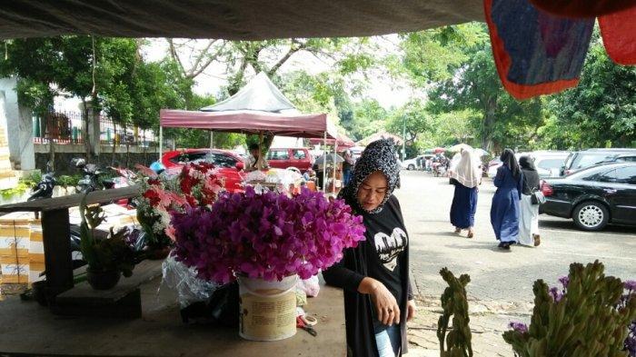 Kisah Pedagang Bunga di TPU Tanah Kusir Sempat Depresi 4 Tahun Sebelum Buka Usaha