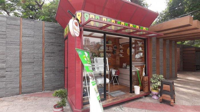 Mau Beli Kado Ulang Tahun? Kios UKM di Jalan Sudirman Punya Barang Unik