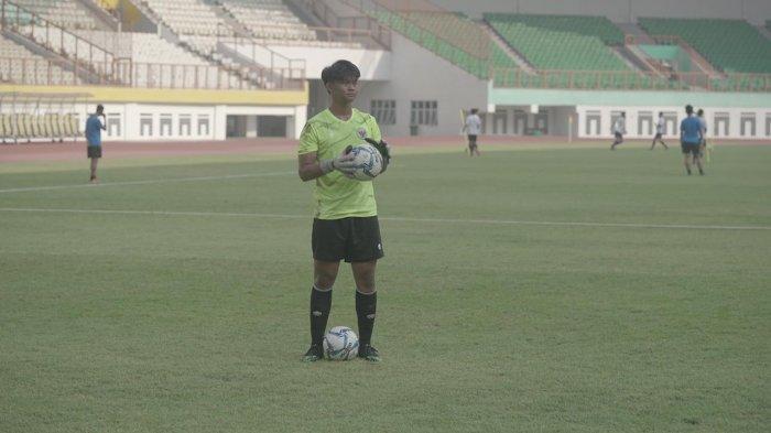Kiper Muda Persija Ceritakan Pengalamannya Ikut Seleksi Timnas U-16 : Bangga Dilatih  2 Legenda Ini
