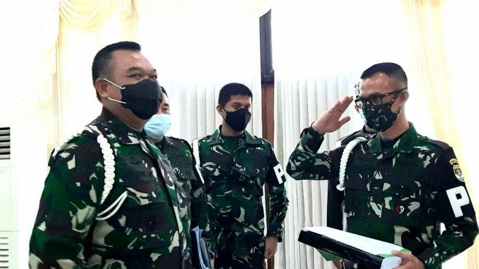 Komandan Polisi Militer (Danpom) Kodam Jaya Kolonel CPM Andrey Swatika Yogaswara (paling kanan), di Mapuspomad, Jakarta Pusat, Kamis (12/11/2020).