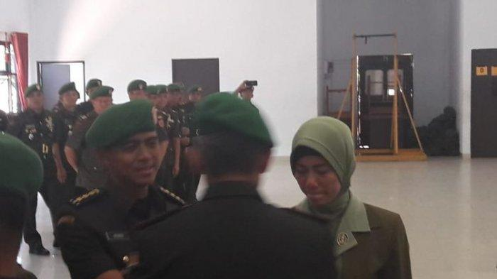 Kolonel HS Resmi Dicopot dari Jabatan Dandim Kendari, Mata Sang Istri Berkaca-kaca saat Sertijab
