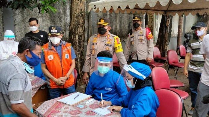 Datangi Rumah Warga, Kapolres Jakarta Selatan Tinjau Tes Swab Antigen untuk Pemudik