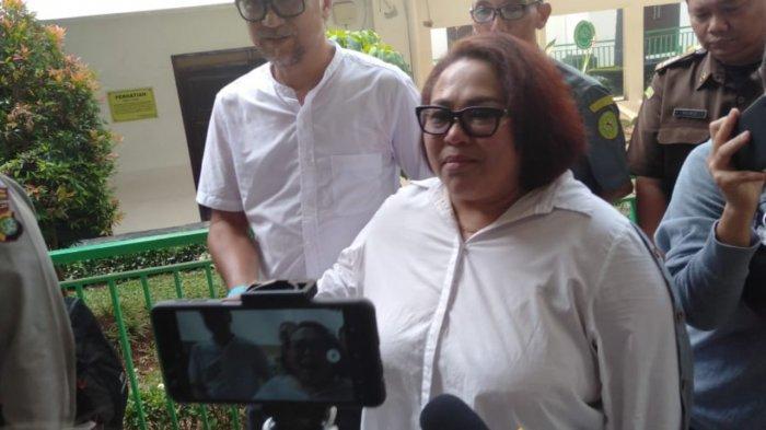 Nunung dan Suami Dengarkan Tuntutan Jaksa Hari Ini