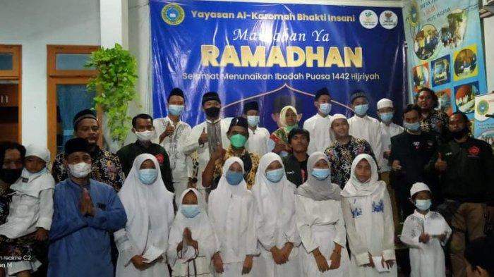 Berbagi di Bulan Ramadan, Komunitas Driver Ojol Urunan Santuni Anak Yatim Piatu di Bekasi