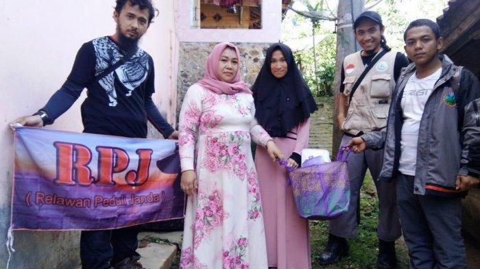 Komunitas Ini Hanya Fokus Tolong Janda di Lokasi Longsor Sukabumi, Berikut Kriteria yang Diberikan
