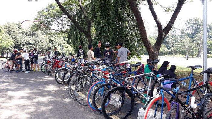 Demi Kurangi Polusi Udara, Komunitas Sepeda Fixie di Depok Rutin Gowes Bersama Setiap Minggu