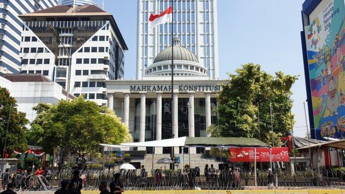 kondisi-di-depan-gedung-mahkamah-konstitusi.jpg