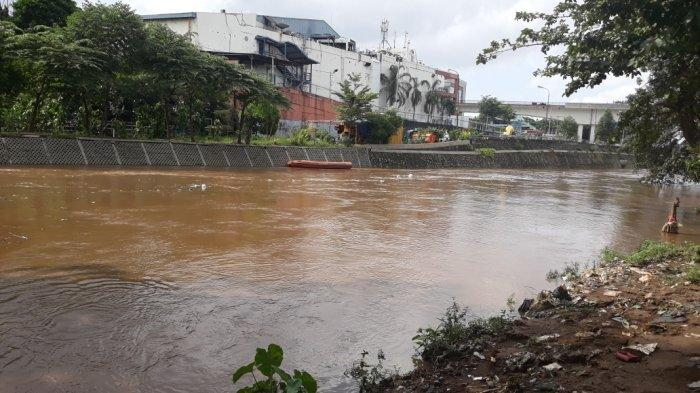 Katulampa Siaga 1, Warga Bantaran Sungai Ciliwung di Jakarta Timur Diminta Siap Ngungsi
