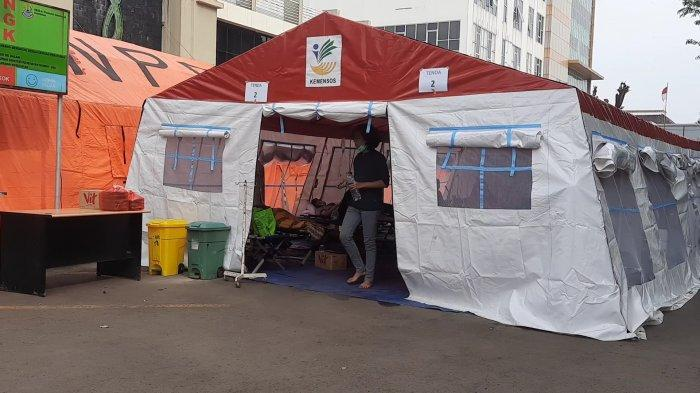 8 Tenda Darurat di RSUD Chasbullah Abdulmadjid Bekasi Dibongkar