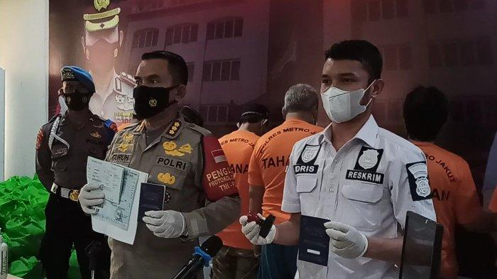 Amankan 100 Buku Siap Edar, Polisi Ungkap Praktik Pemalsuan Buku KIR di Jakarta Utara