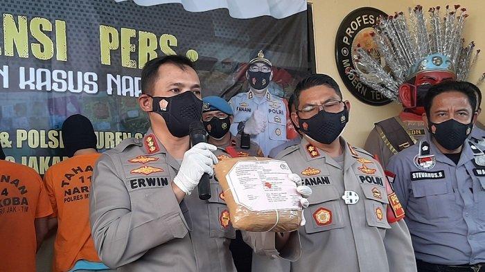 Polres Metro Jakarta Timur Tangkap Dua Pengedar Ganja dan Sabu di Wilayah Matraman