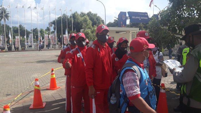 Antusias Ikuti Pembukaan PON Papua, Kontingen Sulbar Penasaran Kemegahan Stadion Lukas Enembe